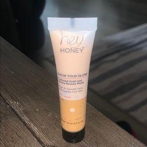 3/$15 Hey Honey gold & honey beauty mask